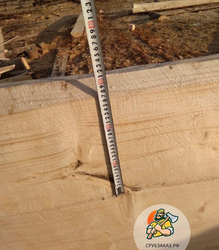 Сруб бани 6х5,5 с выносом бревна под веранду 2 метра, рубка в чашу