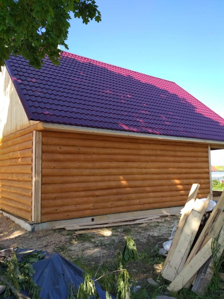 Дом из бревна в Подмосковье и небольшой террасой